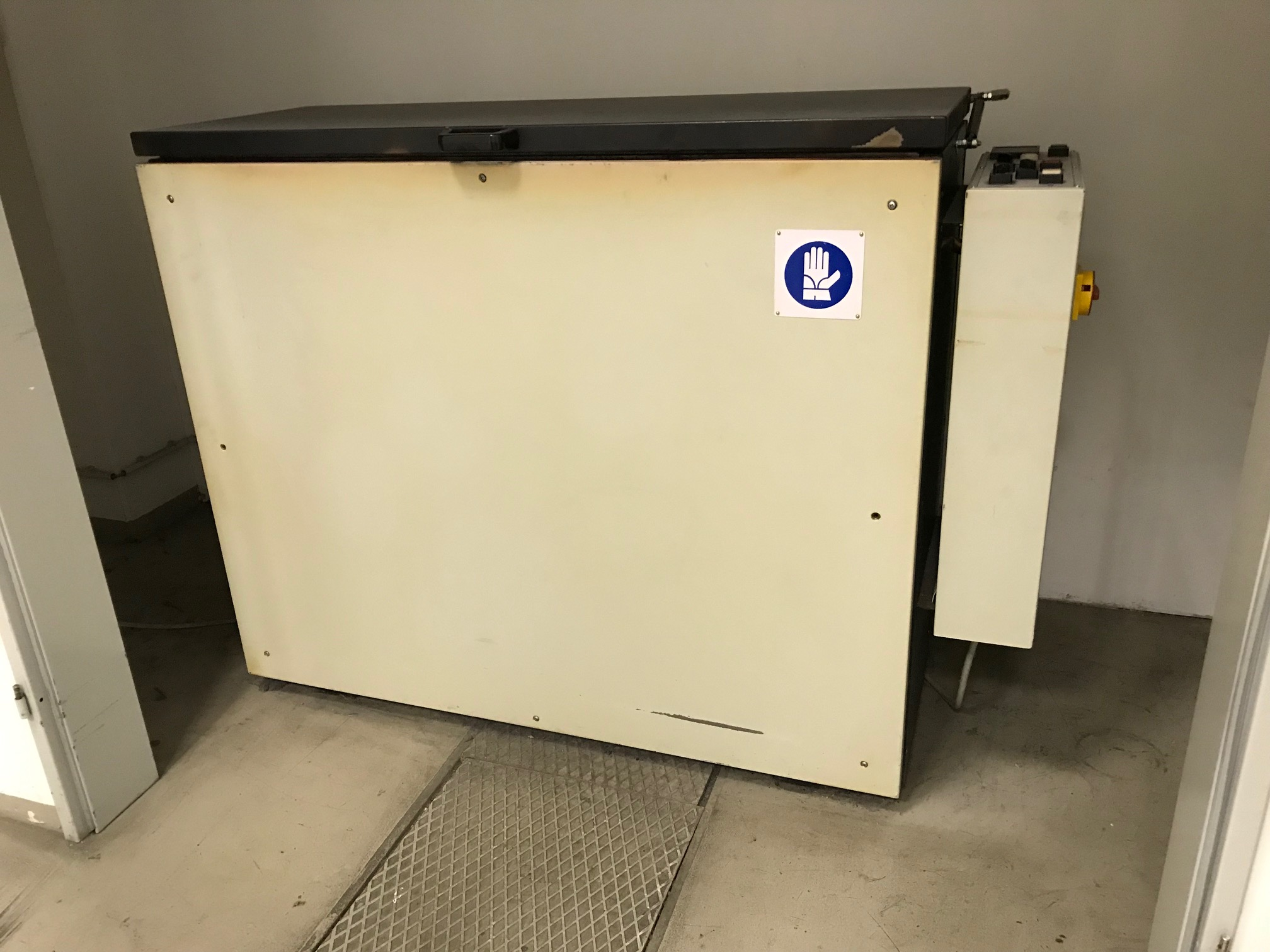 Plate baking oven